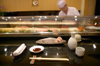 カウンターと寿司職人