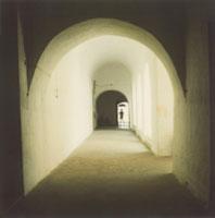 回廊 02274000051| 写真素材・ストックフォト・画像・イラスト素材|アマナイメージズ
