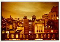 ニューヨークの街並みとビルの灯り