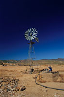 ナマクワランドの砂漠の井戸 南アフリカ