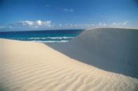 砂丘と空 02296002937| 写真素材・ストックフォト・画像・イラスト素材|アマナイメージズ