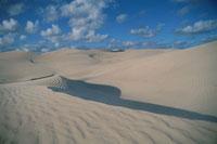 砂丘と空 02296002941| 写真素材・ストックフォト・画像・イラスト素材|アマナイメージズ