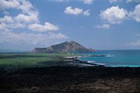 玄武岩と海と青空