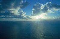 雲と太陽の光