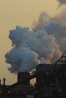 煙の出る工場