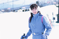 スキー場の日本人女性