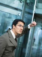 日本人ビジネスマン 02299000449| 写真素材・ストックフォト・画像・イラスト素材|アマナイメージズ