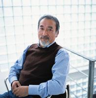 オフィスのイスに座る中高年ビジネスマン 日本人