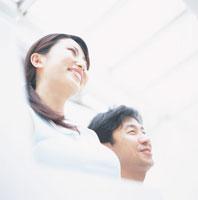 笑顔の日本人カップル