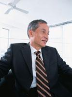 中高年ビジネスマン 02299003075| 写真素材・ストックフォト・画像・イラスト素材|アマナイメージズ