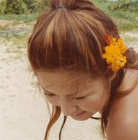 20代女性顔アップ 02299004261| 写真素材・ストックフォト・画像・イラスト素材|アマナイメージズ