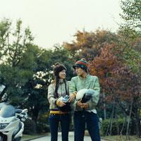 バイクとカップル