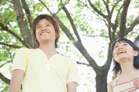 男女学生 02299005978| 写真素材・ストックフォト・画像・イラスト素材|アマナイメージズ