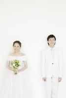 新郎新婦のポートレート 02299008126| 写真素材・ストックフォト・画像・イラスト素材|アマナイメージズ