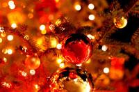 クリスマスイルミネーションとオーナメント