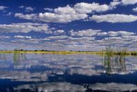 潟湖に映る雲