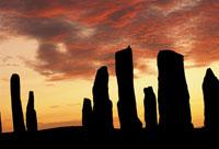 日没の巨石遺跡 02314002772| 写真素材・ストックフォト・画像・イラスト素材|アマナイメージズ