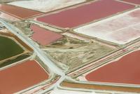 Salt ponds, (aerial), Walvis Bay, Namibia 02314006875  写真素材・ストックフォト・画像・イラスト素材 アマナイメージズ