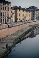 川と街並み ピサ イタリア 02319000012| 写真素材・ストックフォト・画像・イラスト素材|アマナイメージズ