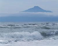 海と利尻山 02319000032| 写真素材・ストックフォト・画像・イラスト素材|アマナイメージズ