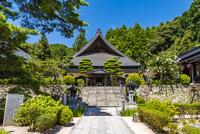 瑠璃光寺の本堂