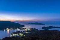 夜明け前の上盛山展望台からの景色