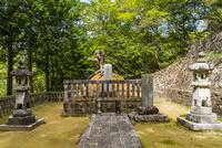 毛利隆元の墓所