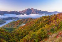 秋の磐梯山と秋元湖