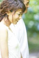 日本人20代女性と男性