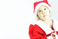 サンタの格好の女の子