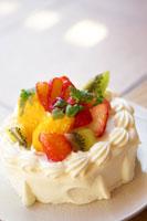 フルーツのケーキ 02336001522| 写真素材・ストックフォト・画像・イラスト素材|アマナイメージズ