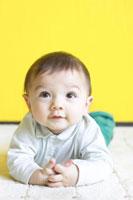 赤ちゃん 02336002518  写真素材・ストックフォト・画像・イラスト素材 アマナイメージズ