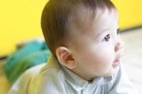 赤ちゃん 02336002519  写真素材・ストックフォト・画像・イラスト素材 アマナイメージズ