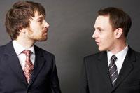 2人の外国人ビジネスマン 02336002618| 写真素材・ストックフォト・画像・イラスト素材|アマナイメージズ
