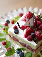 いちごのクリスマスケーキ 02343000647A| 写真素材・ストックフォト・画像・イラスト素材|アマナイメージズ