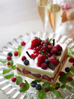 いちごのケーキ 02343000648| 写真素材・ストックフォト・画像・イラスト素材|アマナイメージズ
