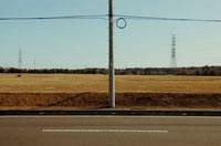 造成地と道路と電柱 02348000052| 写真素材・ストックフォト・画像・イラスト素材|アマナイメージズ