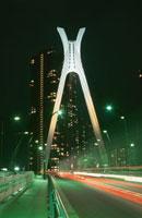 中央大橋上から見た佃島方面の夜景 02350000072  写真素材・ストックフォト・画像・イラスト素材 アマナイメージズ
