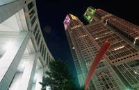 東京都庁のライトアップ 02350000102| 写真素材・ストックフォト・画像・イラスト素材|アマナイメージズ