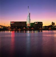 パレットタウン観覧車とビル群の夜景 02350000230| 写真素材・ストックフォト・画像・イラスト素材|アマナイメージズ