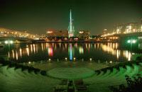 パレットタウン観覧車とビル群の夜景 02350000234| 写真素材・ストックフォト・画像・イラスト素材|アマナイメージズ