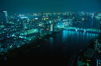 隅田川と勝どき橋の夜景 02350000247  写真素材・ストックフォト・画像・イラスト素材 アマナイメージズ