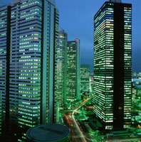 西新宿のビル群の夜景 02350000412| 写真素材・ストックフォト・画像・イラスト素材|アマナイメージズ