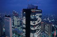 西新宿のビル群の夜景 02350000416| 写真素材・ストックフォト・画像・イラスト素材|アマナイメージズ