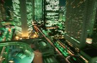 西新宿のビル群の夜景 02350000420| 写真素材・ストックフォト・画像・イラスト素材|アマナイメージズ