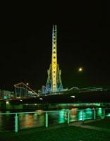 横浜コスモワールドの観覧車 02350000874| 写真素材・ストックフォト・画像・イラスト素材|アマナイメージズ