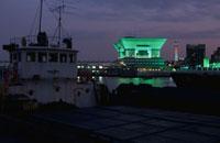 横浜港大さん橋国際客船ターミナルのライトアップ