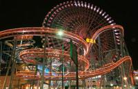 横浜コスモワールドのライトアップ 02350000957| 写真素材・ストックフォト・画像・イラスト素材|アマナイメージズ