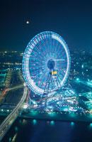 横浜コスモワールド観覧車 02350000971| 写真素材・ストックフォト・画像・イラスト素材|アマナイメージズ