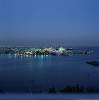 八景島シーパラダイスの夜景 02350001076| 写真素材・ストックフォト・画像・イラスト素材|アマナイメージズ